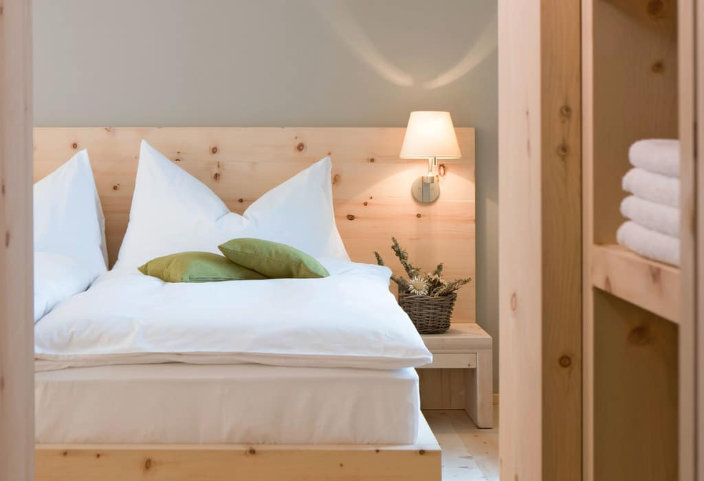 Top 5 Picks for Lighting Small Bedrooms