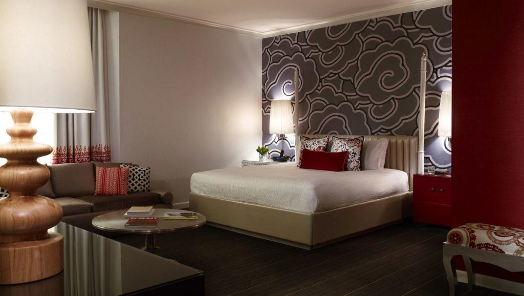 bright-hotel-room-lighting